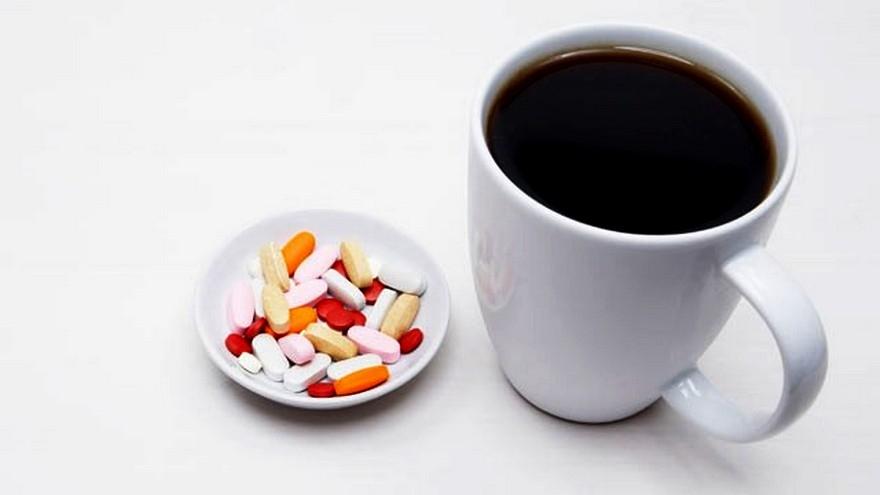 Запивать кофе